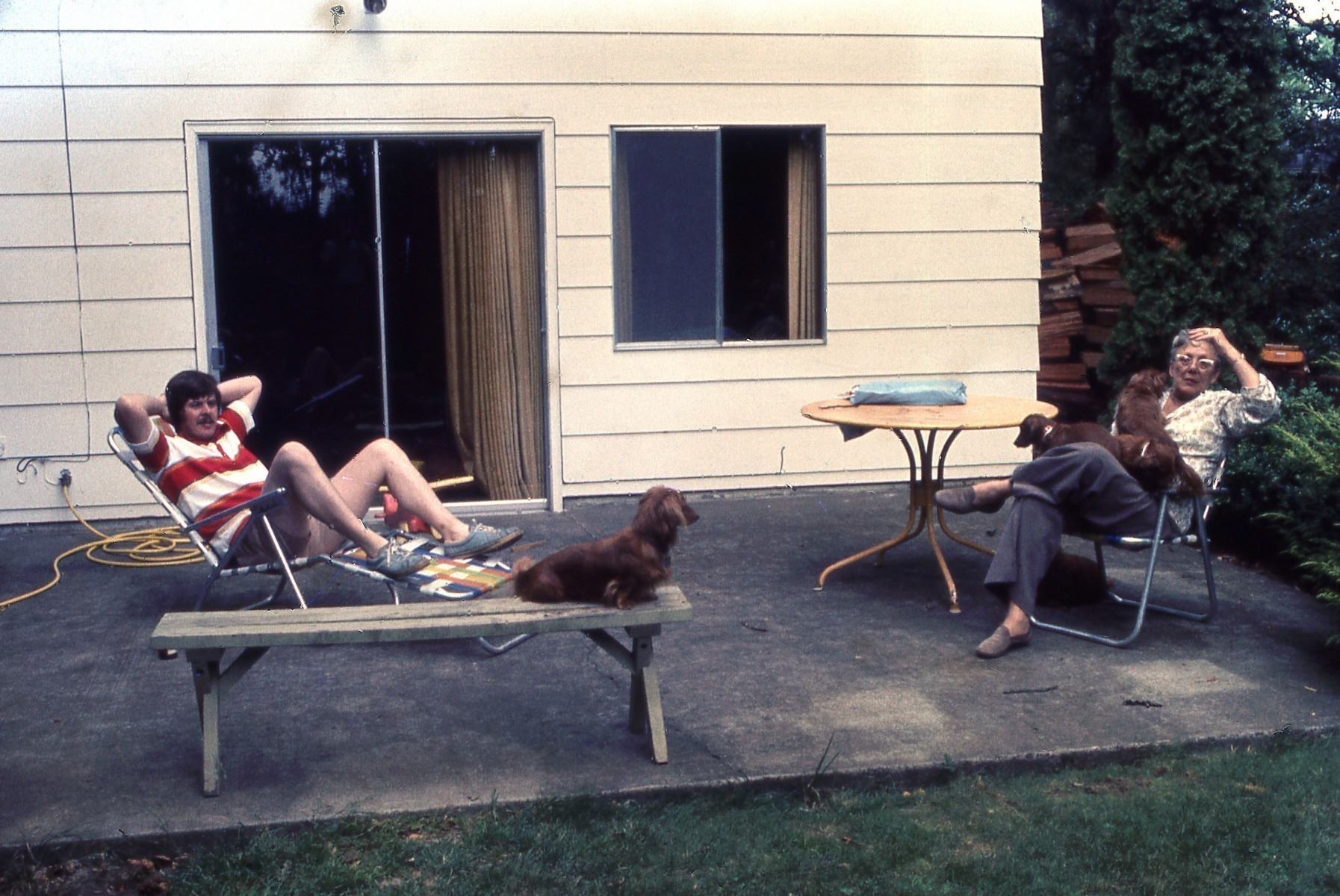 1976 Just setting up house in Albany Oregon_01